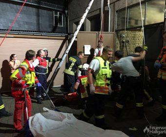 Patient am Boden, Übergabe an Rettungsdienst