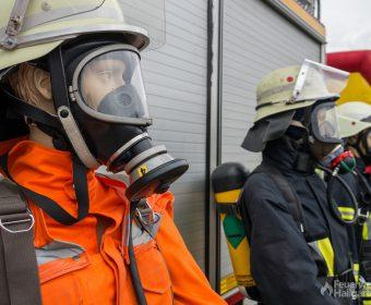 Kopfansicht der Schutzausrüstungen von links