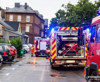 Einsatzfahrzeuge beim Unwettereinsatz in Rüdesheim