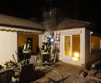 Brand in einer zwischen Wand