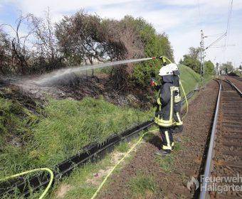 Löschangriff brennender Bahndamm2