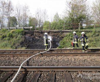 Löschangriff brennender Bahndamm1