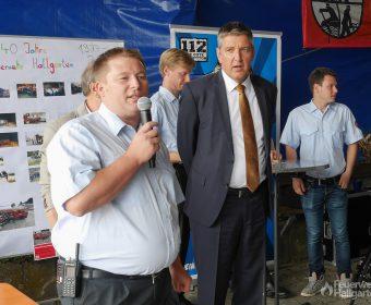 Christian Ringel und Michael Heil bei der Beförderung der Aktiven