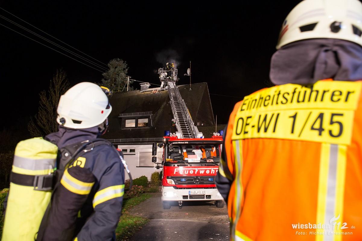 Drehleiter im Einsatz (Foto Wiesbaden 112)