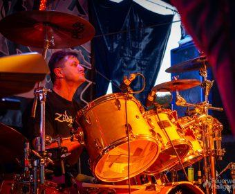 Drummer der Band Heernixx
