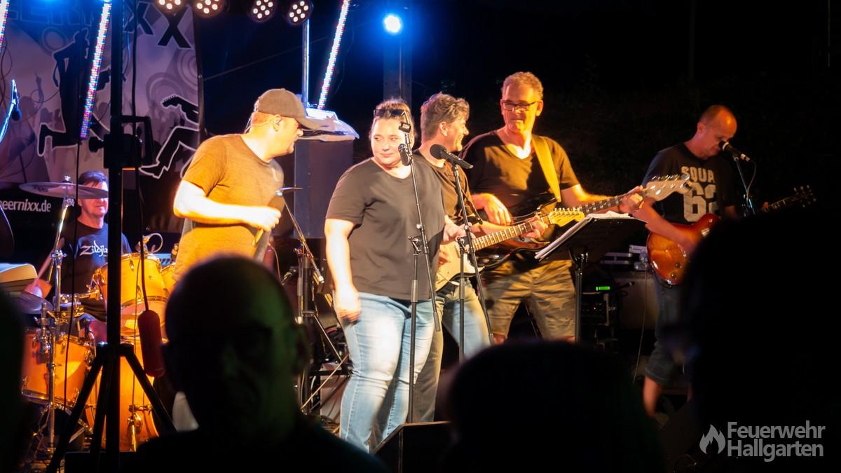 Die Band Heernixx sorgte für die musikalische Untermalung des Abends